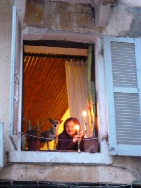 Babička v okně